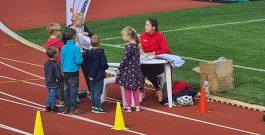 Tauchaer Kids stürmen Spielstationen